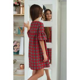 Платье в клеточку с брошкой
