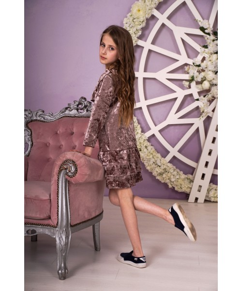 Платье велюровое с оборочками